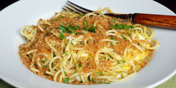 Spaghetti and Eggs with Toasted Breadcrumbs